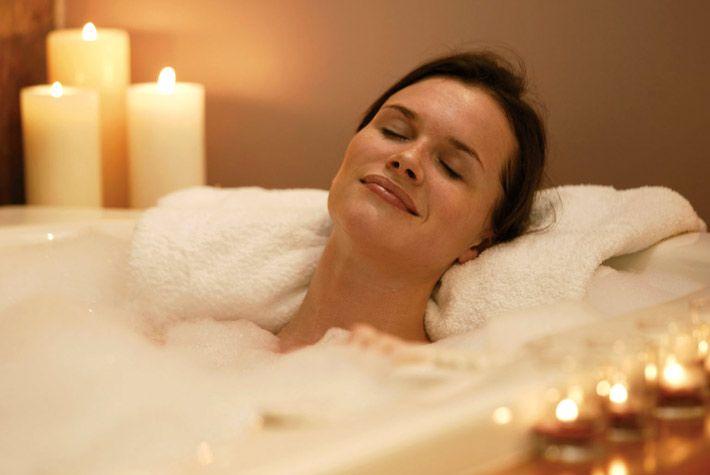 Bagno Rilassante ~ Bagno rilassante fai da te: come fare quali oli e sali usare