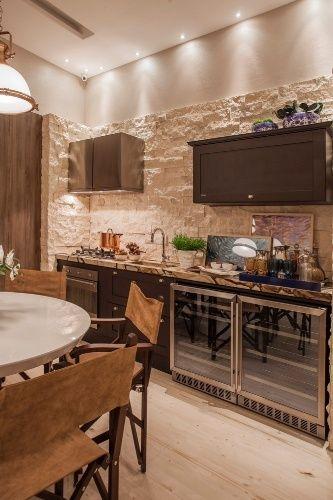 Casa De Praia Chique Tem Marmore Madeira E Cozinha Rustica Com