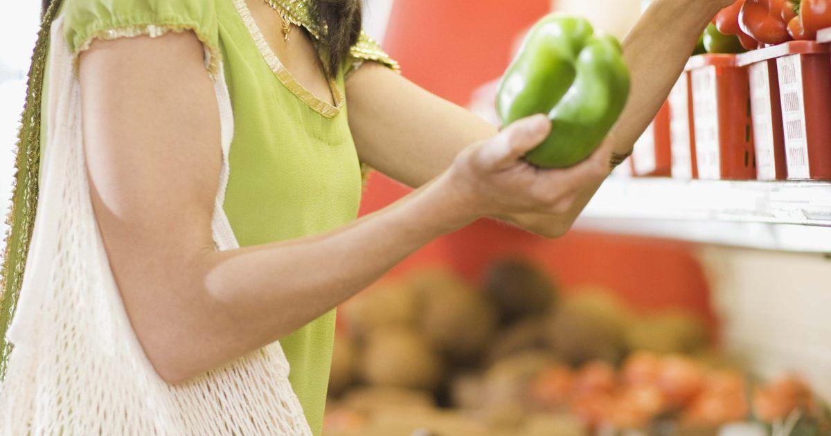 Ejemplos de un plan de alimentación saludable para una semana. Crear un menú semanal saludable no es tan complicado como parece, especialmente si utilizas el método de sustitución para maximizar la variedad y la nutrición. Por ejemplo, si sabes que necesitas dos verduras en el almuerzo, la parte más difícil es decidir cuáles elegir. Es útil tener un plan de comidas y bocadillos, ya que así es menos probable ...