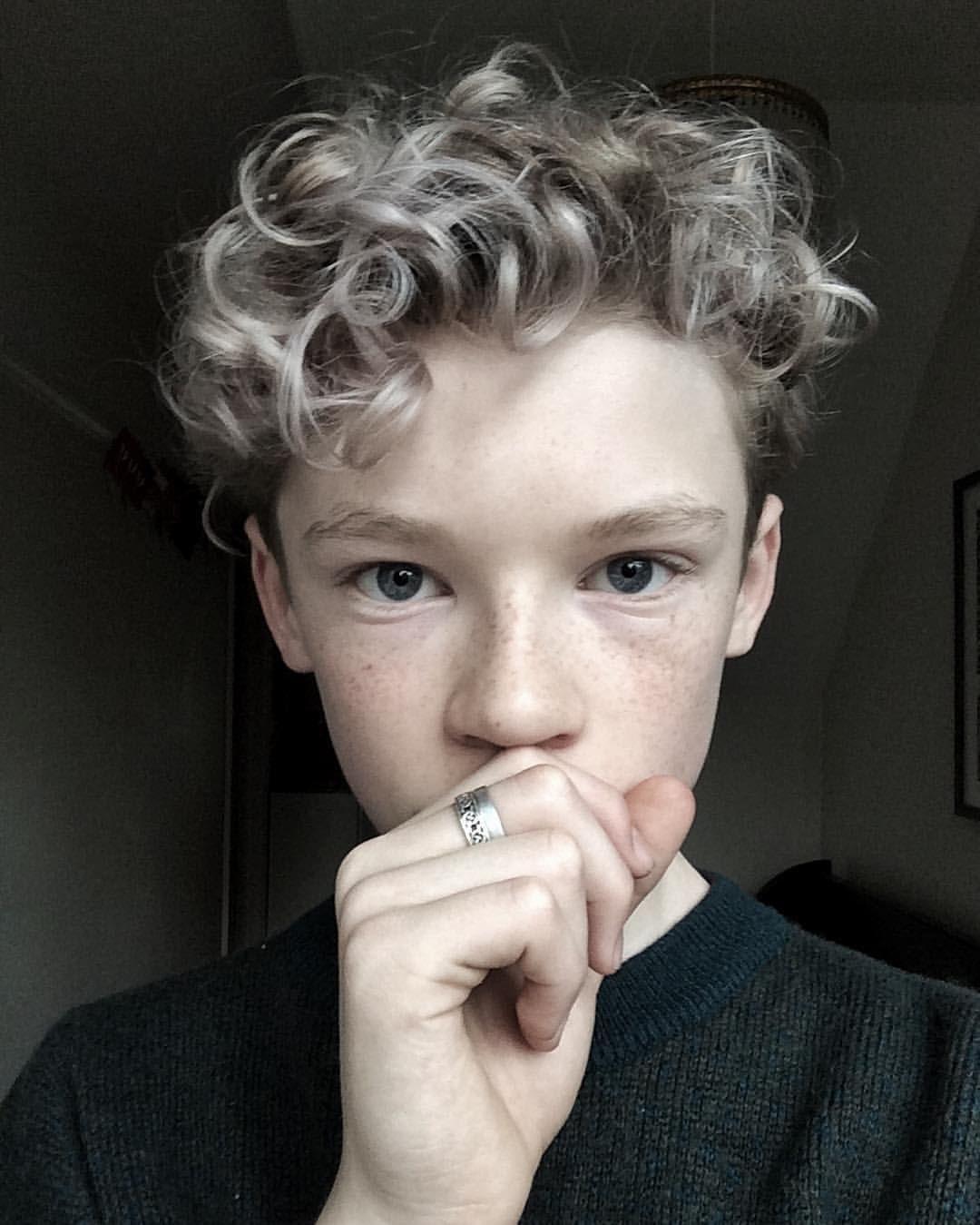 Long Curly Hair Men Highlights Long Curly Hair Men Curly Hair Men Hair Highlights
