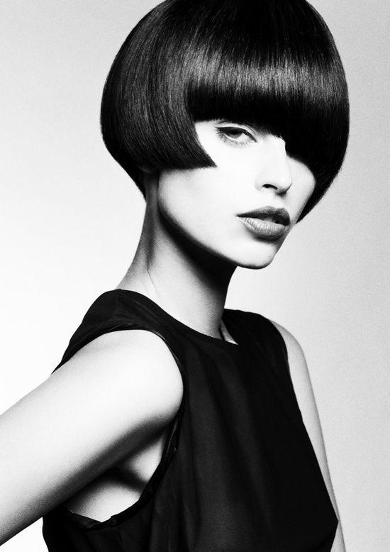 Epingle Par Philippe Beatcity Sur Hair Gros Plan Black White Coiffures Asymetriques Coiffure Coupe De Cheveux