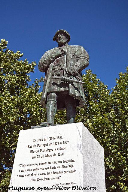 Monumento a Dom João III   Portalegre - Enjoy Portugal  Visit our website and facebook page www.enjoyportugal.eu https://www.facebook.com