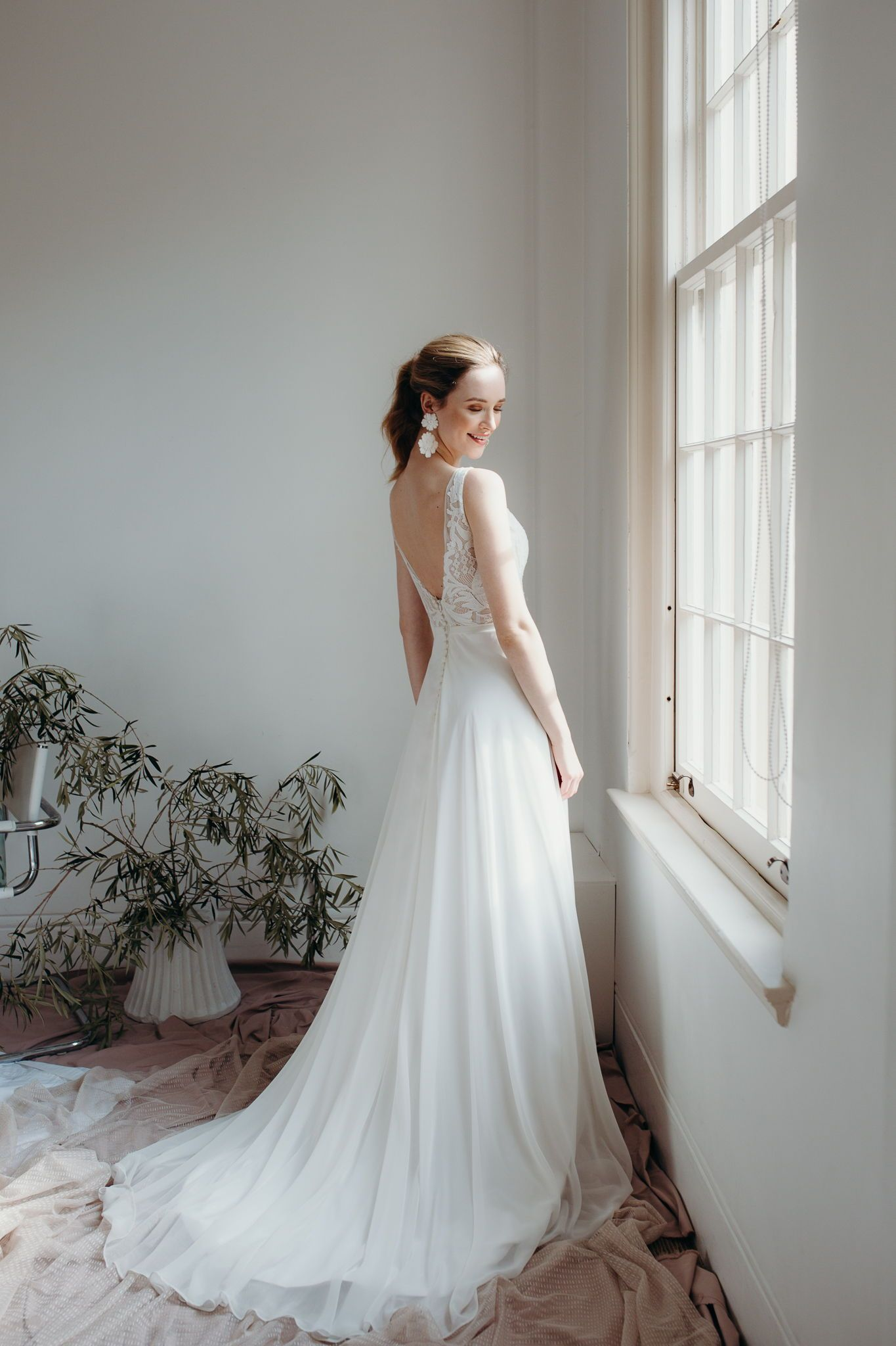 Daisy Brides By Katie Yeung Pixie Wedding Dress Represented By Lms Creative Group Wedding Dresses Nz Dresses Nz Wedding Dresses