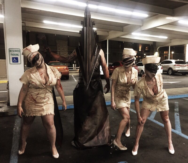 Pyramid Head and Silent Hill Nurse costume #silenthill #costume #cosplay #pyramidhead #nurse #silenthillnurse #halloween