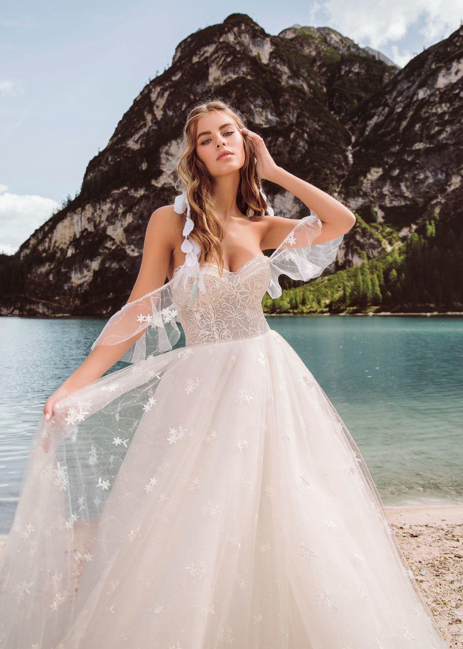 Best wedding dresses for 50 year olds  Свадебное платье Тамаль Армония u купить в Москве платье Тамаль из