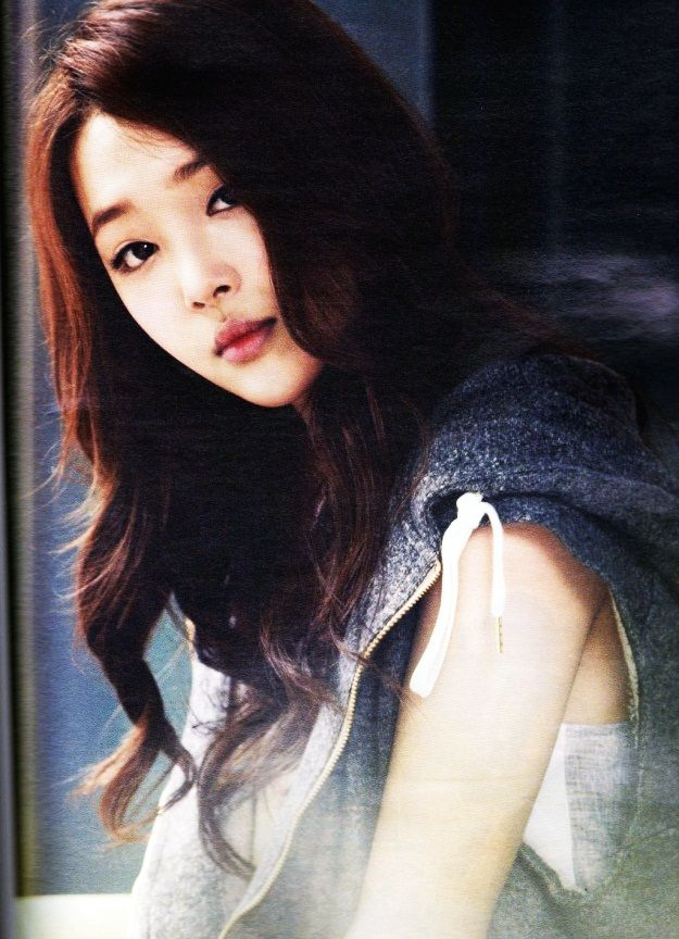 f(x) Sulli - High Cut Magazine Vol.31