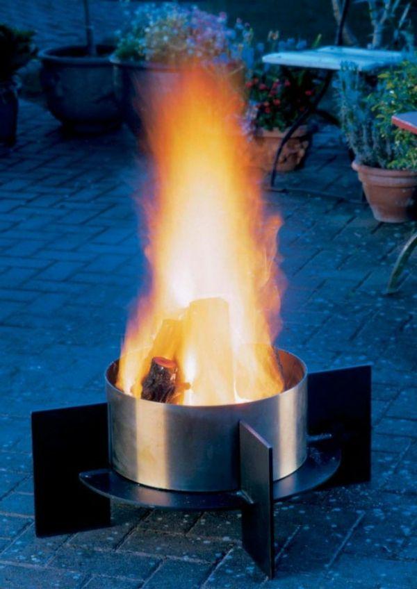 inspirierendes-modell-von-feuerstelle-im-garten fireplace