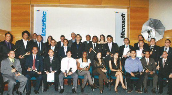 Instituto Tecnológico Lourtec graduó 136 profesionales en diferentes carreras tecnológicas