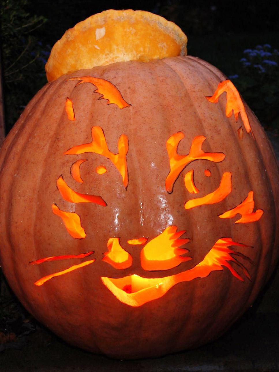 22 Traditional Pumpkin Carving Ideas | Pumpkin carvings and ...