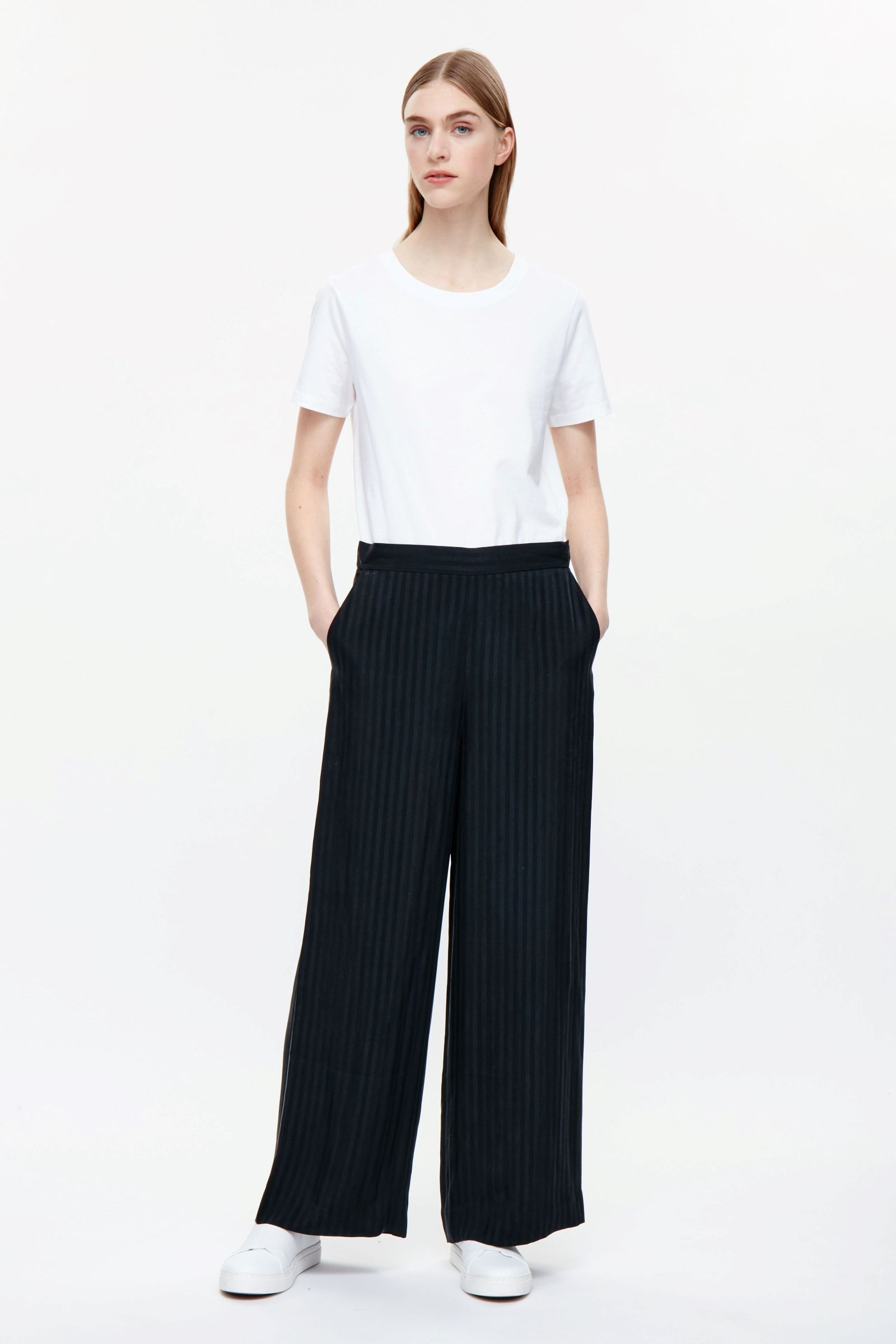 groß auswahl Online kaufen glatt COS image 1 of Striped wide-leg trousers in Black ...