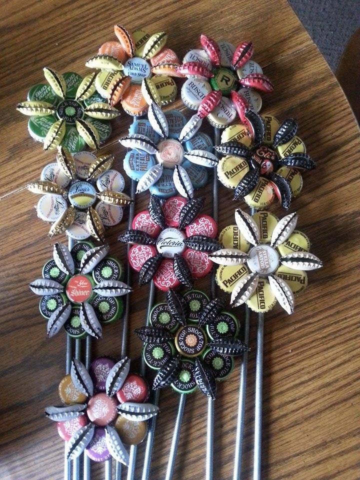 Bottle cap flowers pinteres for Cool beer cap ideas