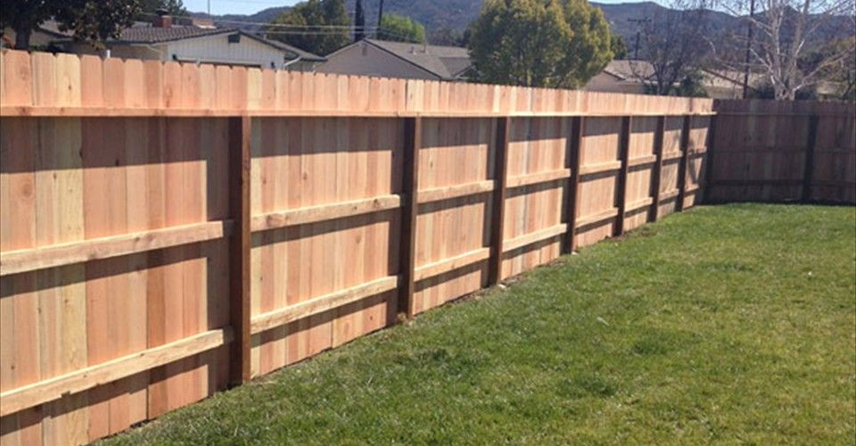 Standard 1x6 Dogearred Redwood Yard Fence With Treated Posts Fence Design Wood Fence Vinyl Fence