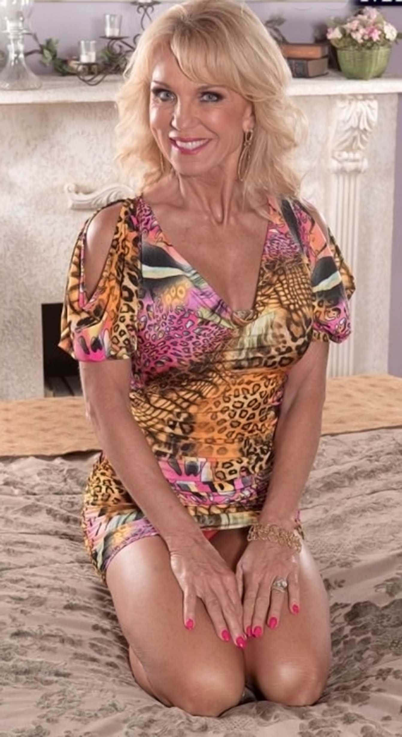 Granny mature women tgp