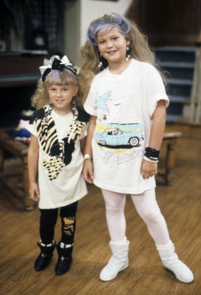 Full House Episode Stills Season 1 Episode 1 Our Very First Night Full House Full House Episodes Full House Funny