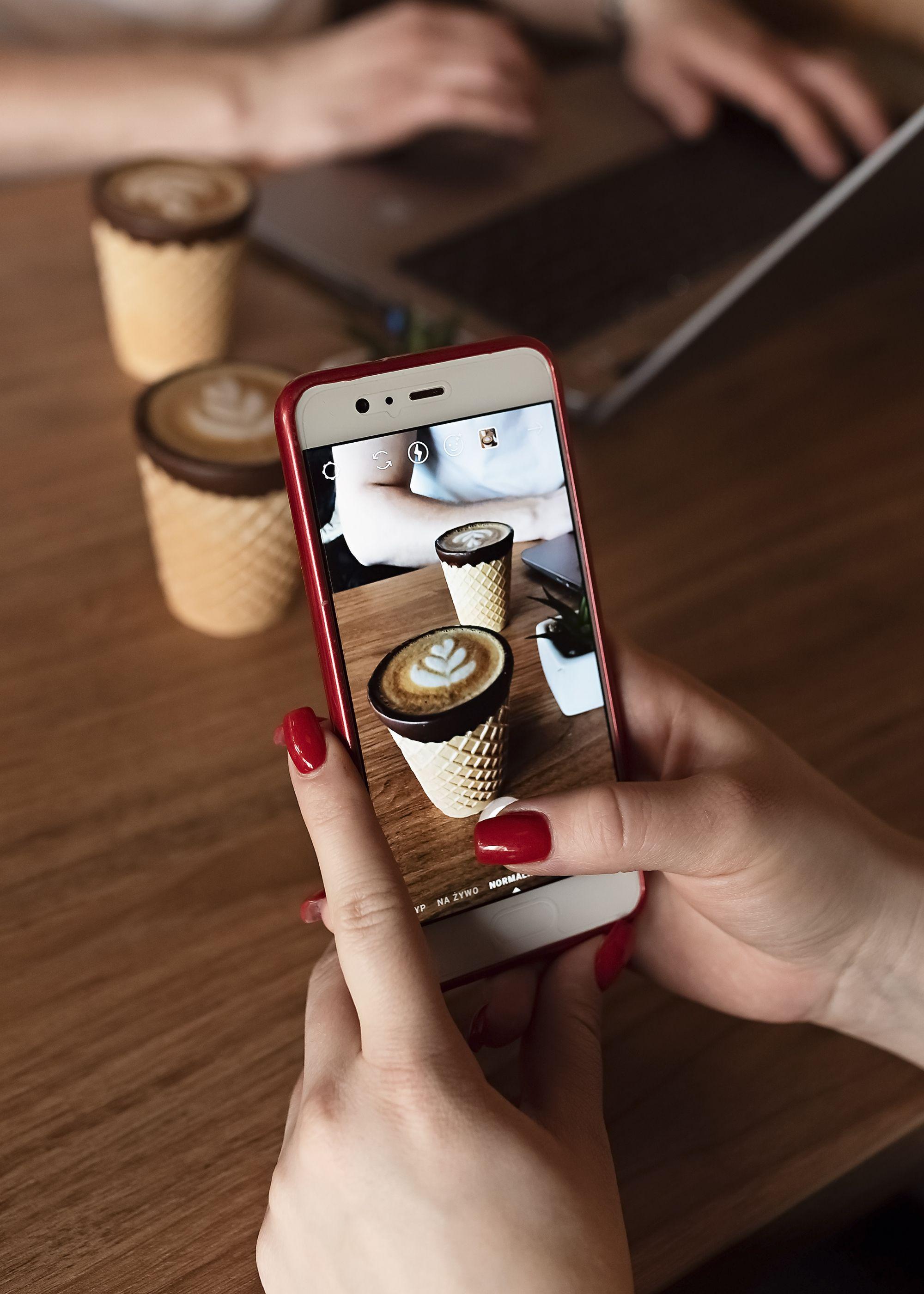 Pin By Konesso Pl On Slodkosci Latte Art Latte Phone Ring