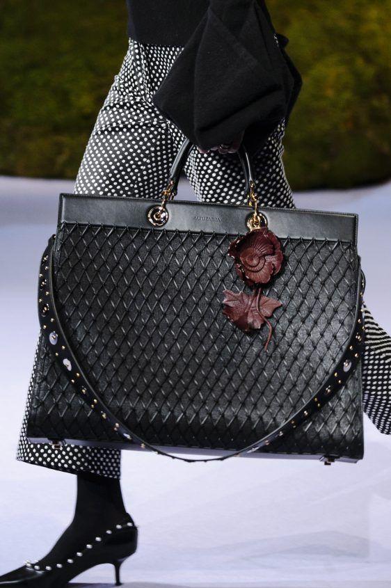 Altuzurra fall winter 2017 2018 borse alla moda borse e for Case alla moda