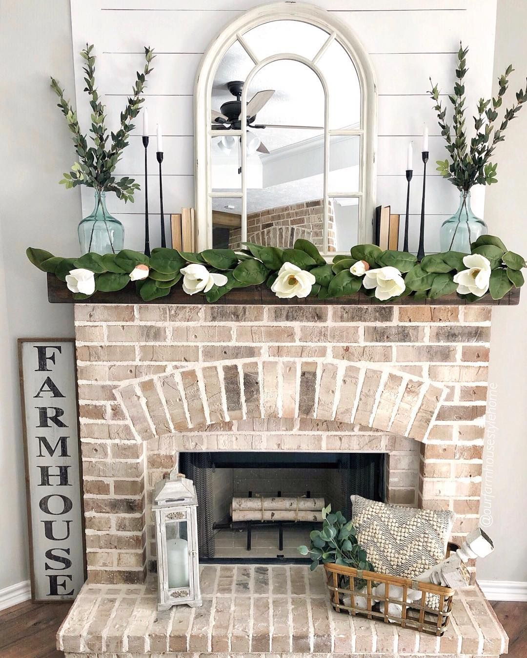 Elisa On Instagram Here S My Not Sure How To Decorate After Christmas Mantel I Kept It Christmas Mantle Decor Farmhouse Mantle Fireplace Decor