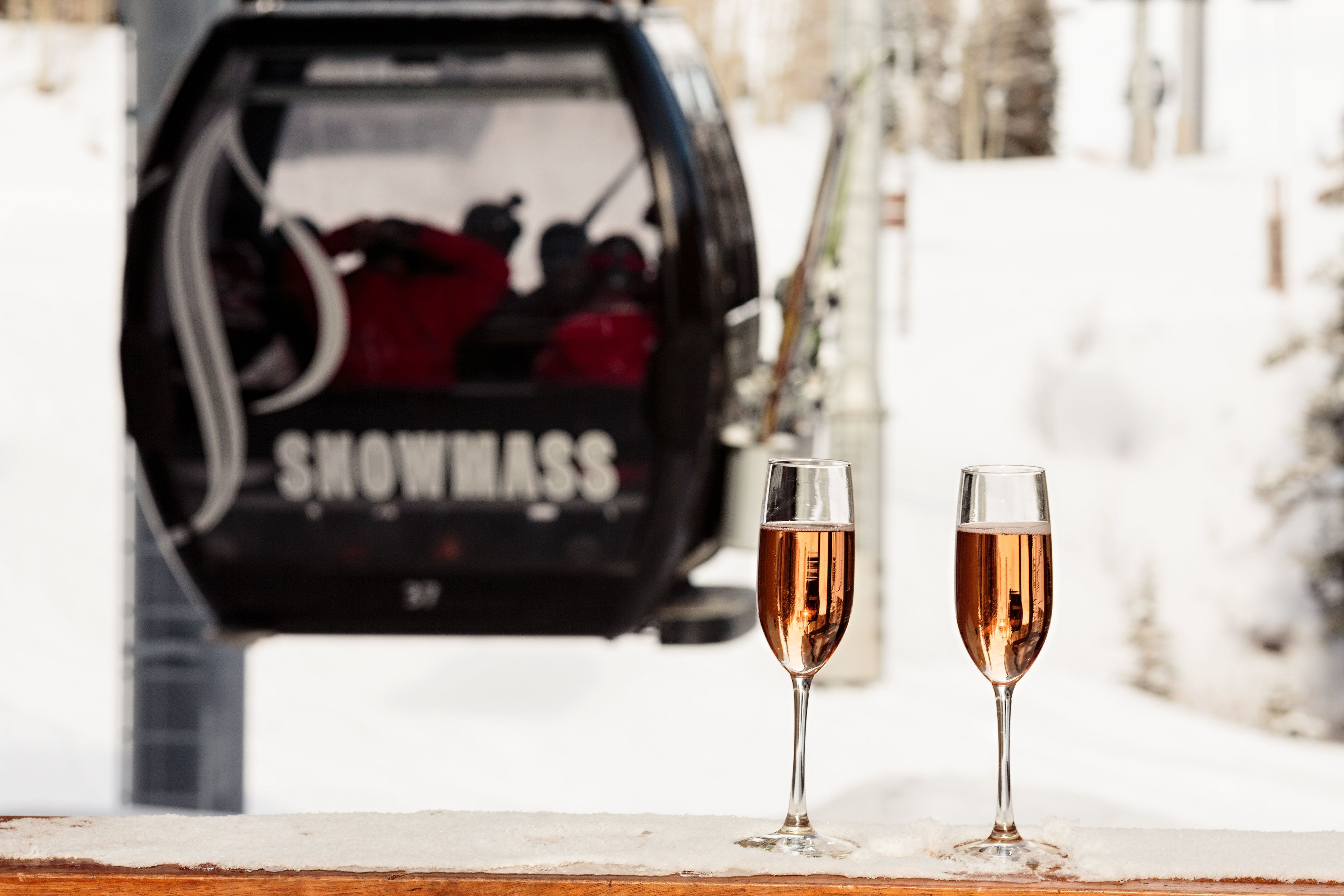 Champagne To Go Gle Will Hook You Up Gondola Fun Wedding Day Treats