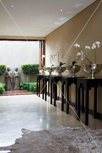 Orchideen in Silberschalen Orchideen, Dekoration Pinterest - pflanzen dekoration wohnzimmer