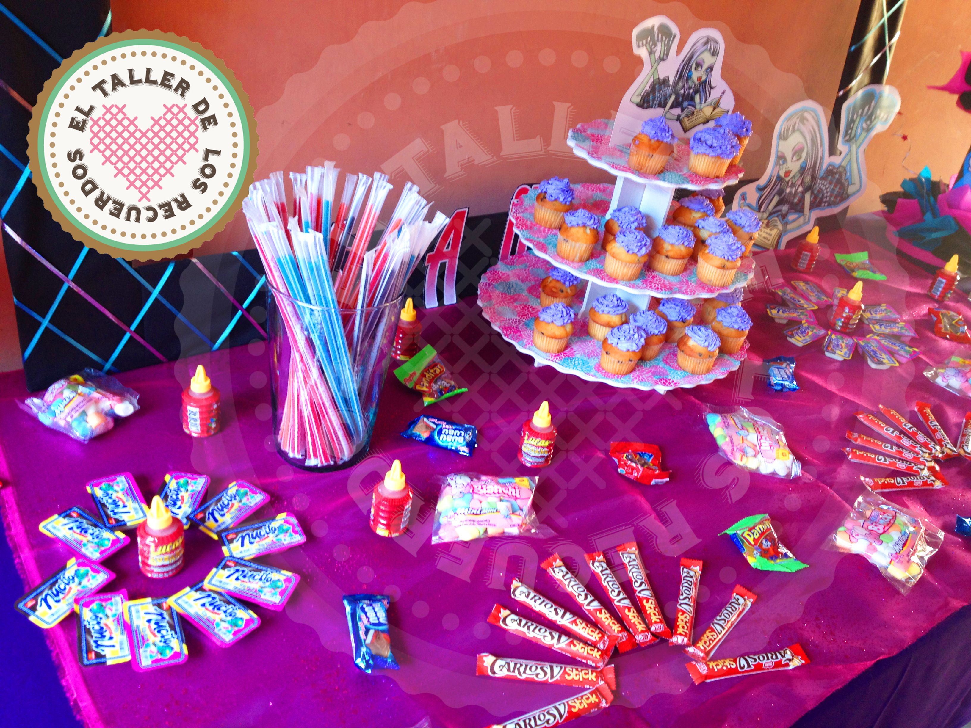 Mesa de dulces monster high para 30 personas fiesta ni a - Mesas dulces para ninas ...