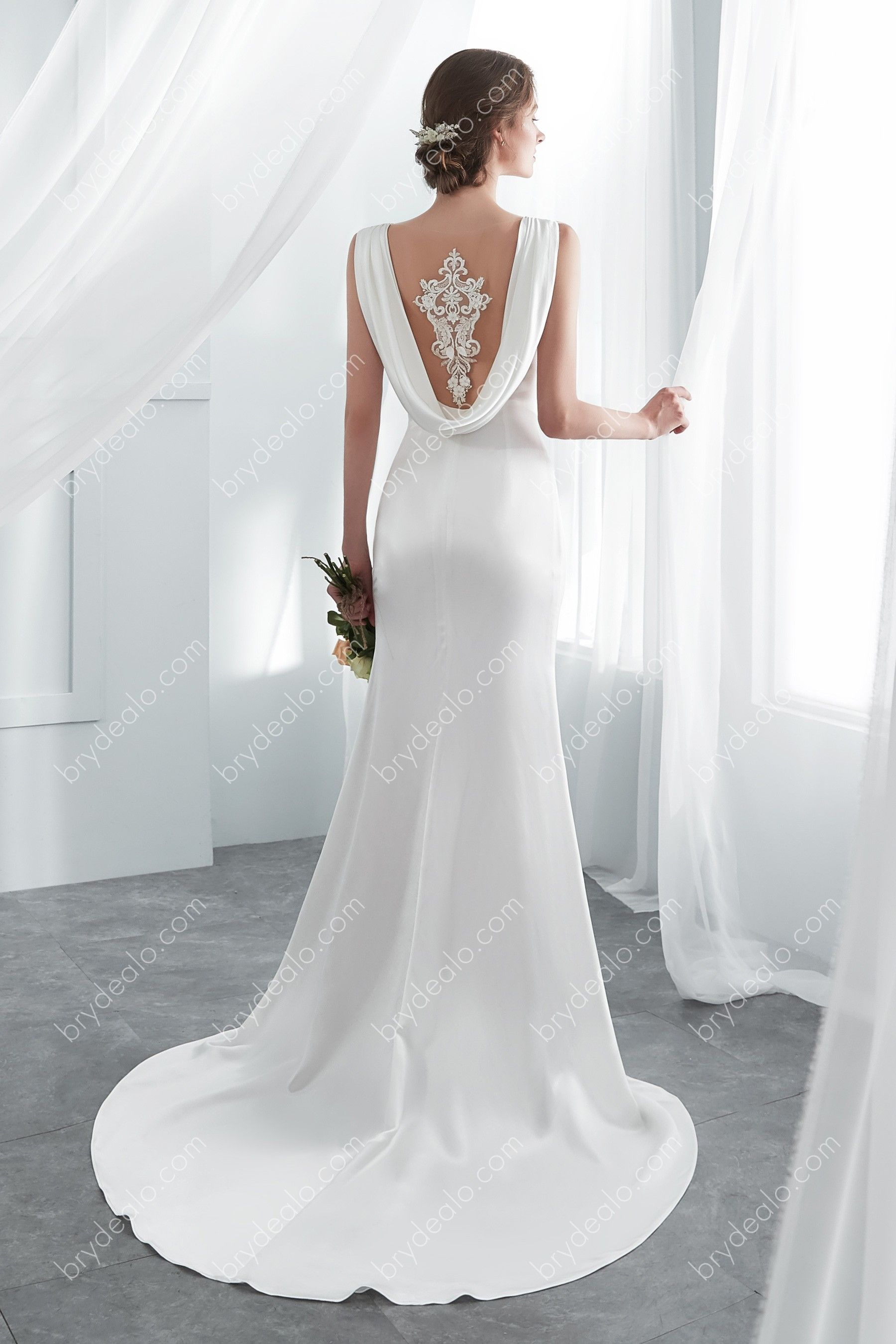 Elegant And Alluring This Classic Sleeveless Ivory Long Wedding Dress Features Its Luxury Sof Bridal Gowns Mermaid Wedding Gowns Mermaid Mermaid Wedding Dress [ 2700 x 1800 Pixel ]