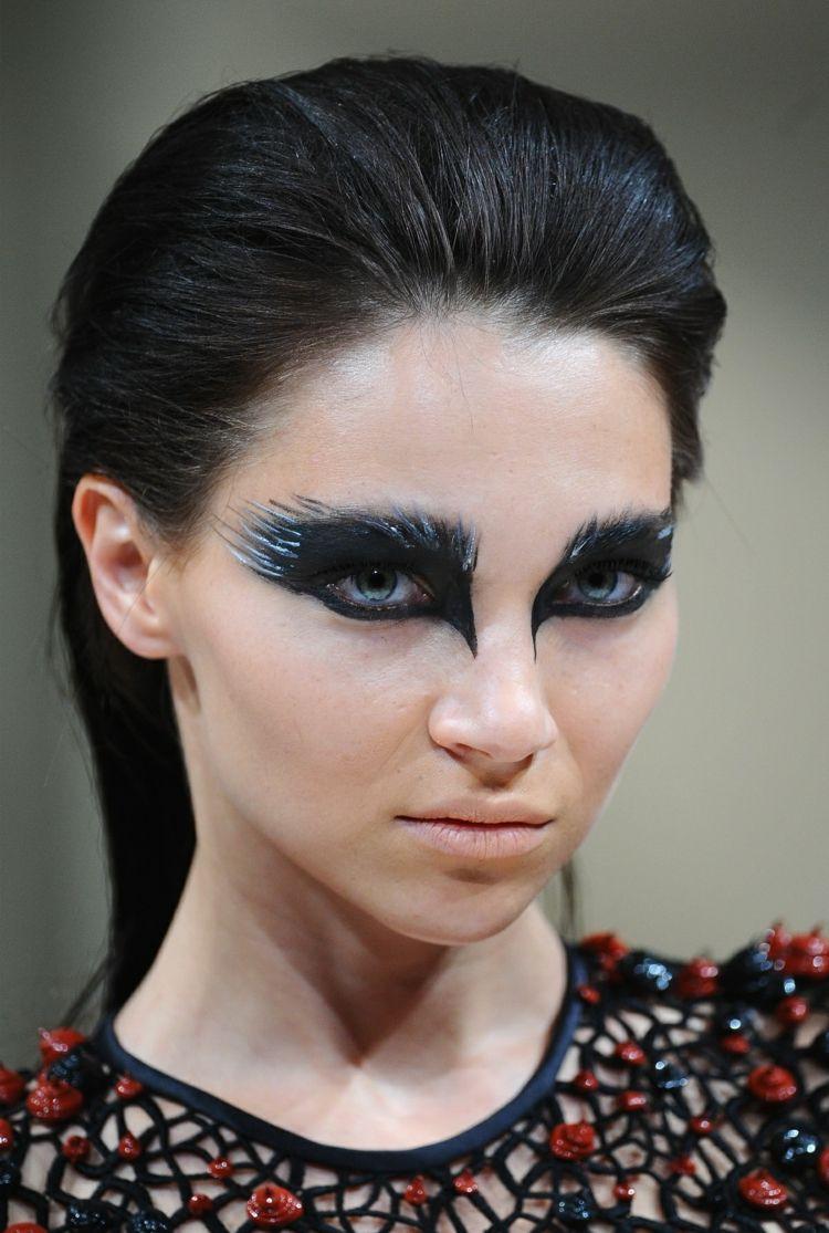 Photo of Black Swan Kostüm für Damen zu Halloween und Fasching selber machen