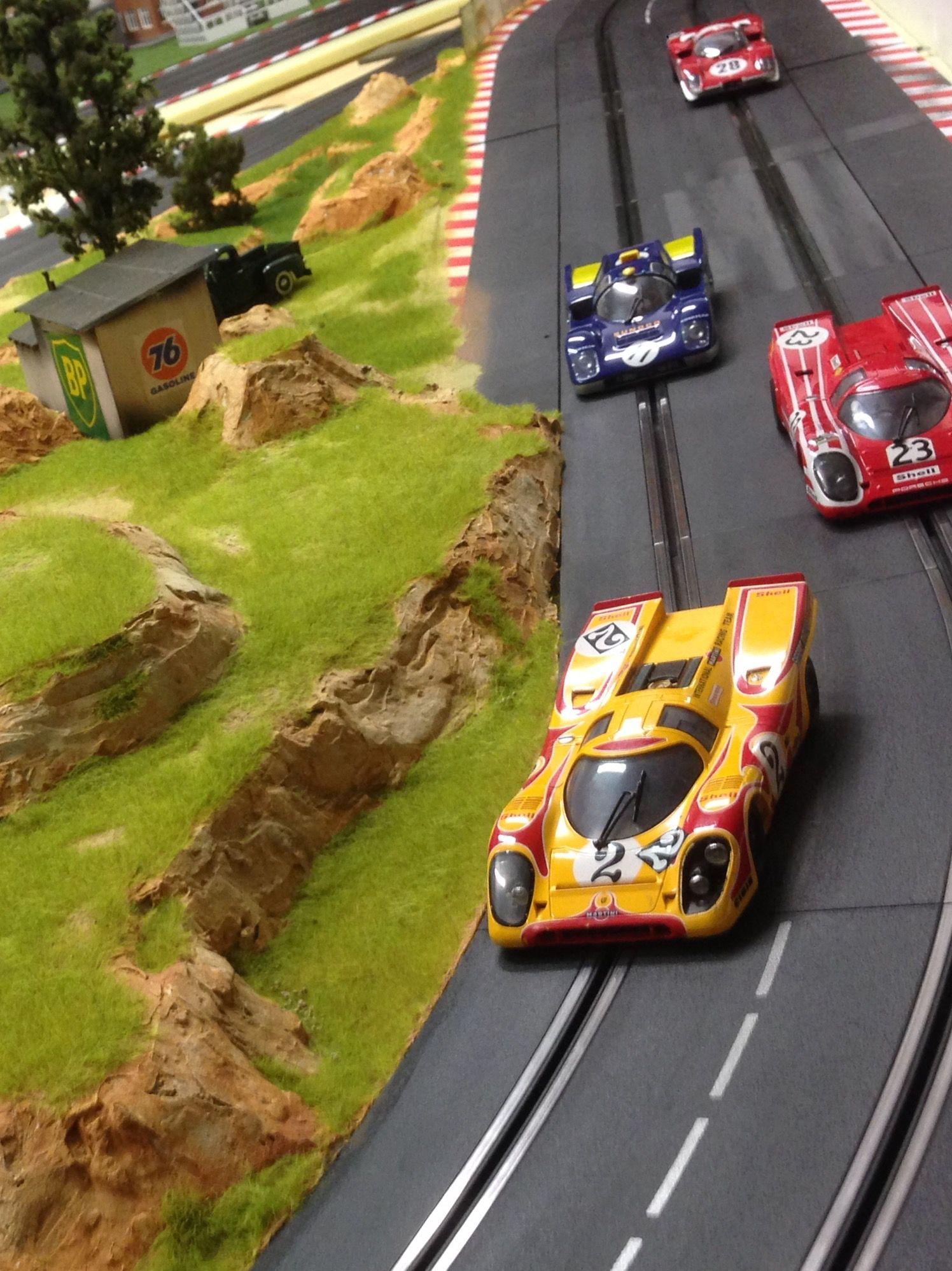 Porsche slot car brm on molettaring track