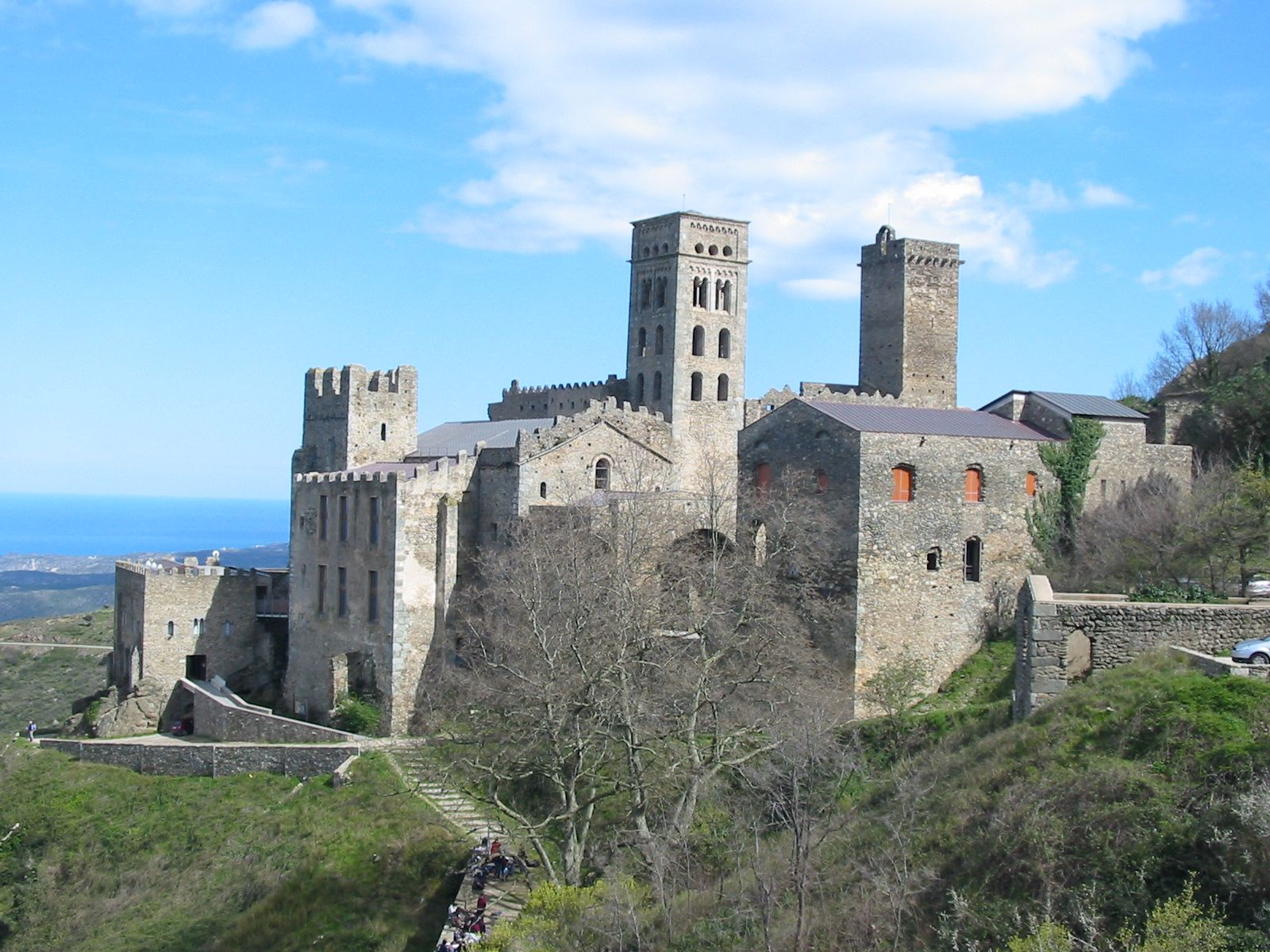 san pedro de roda | File:Sant Pere de Rodes.JPG - Wikimedia Commons