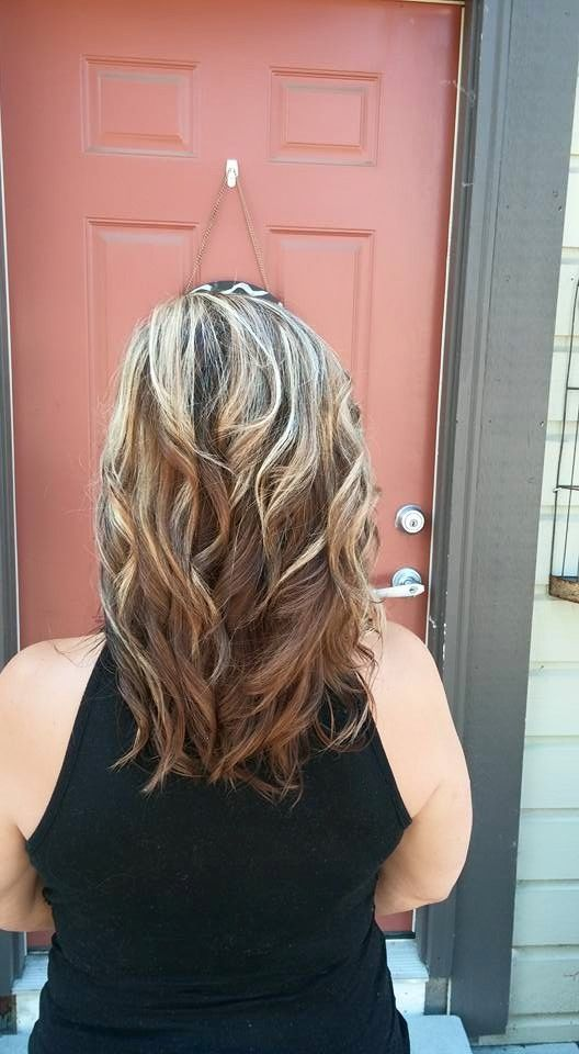 reverse ombre blonde to brown medium length hair curls | Curls for medium length hair, Ombre ...