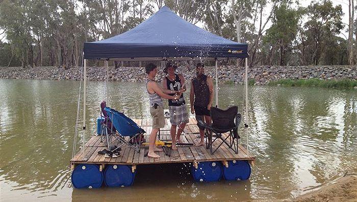 DIY - Pallet Pontoon Boat | DIY