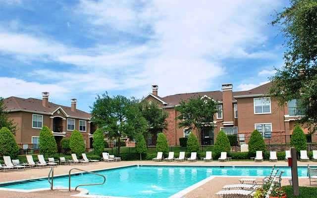 972 312 0300 1 3 Bedroom 1 2 Bath Reserve At Pebble Creek Apartments 3800 Pebble Creek Ct Plano Tx 75023 Apartments For Rent House Styles Mansions