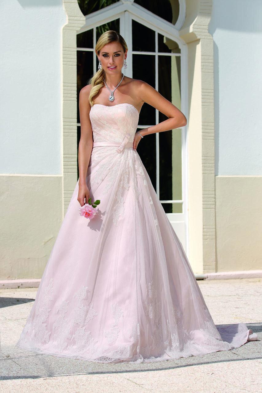 Hochzeitskleid Farbe – Valentins Day  Brautmode, Hochzeitskleid