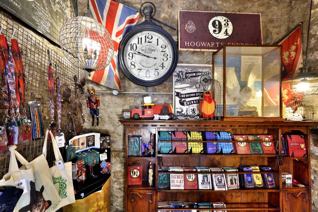A Harry Potter Shop Has Just Opened On Edinburgh S Diagon Alley Harry Potter Shop Edinburgh Diagon Alley