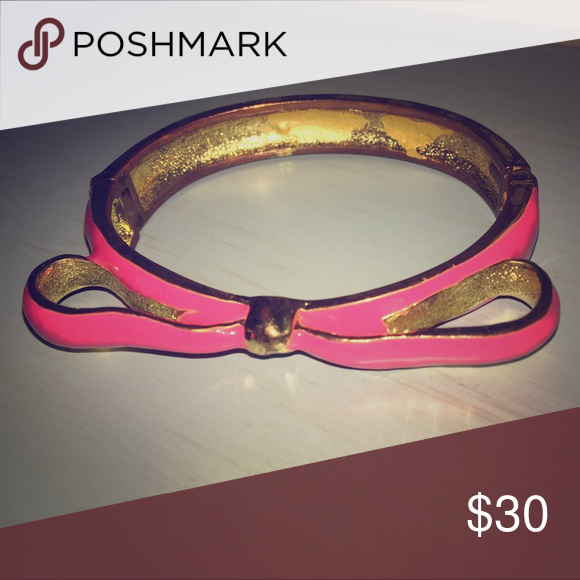 31e1a6d9bafe6 NWOT Bow Bangle Pink/gold Cute and classy Betsey-Inspired pink/gold ...