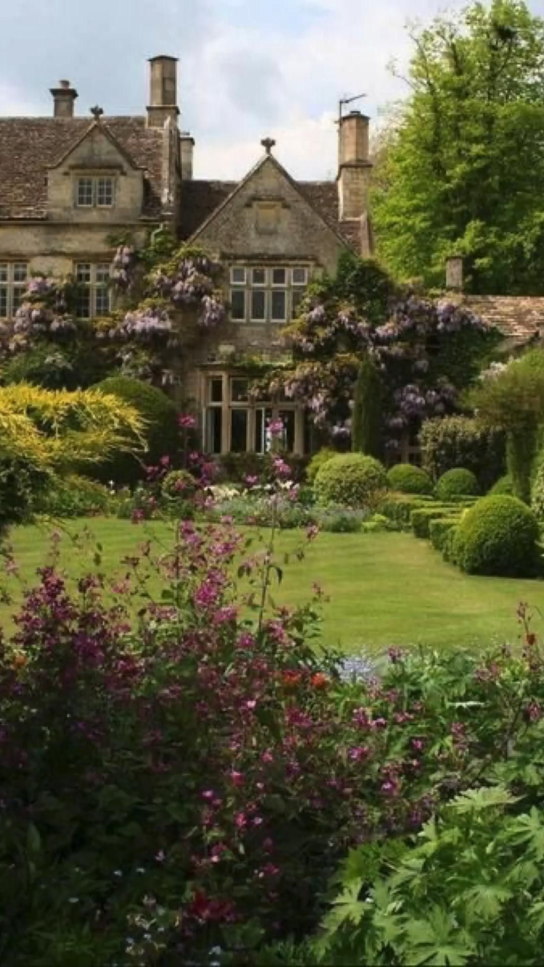 The Downton Abbey Home You Can Buy