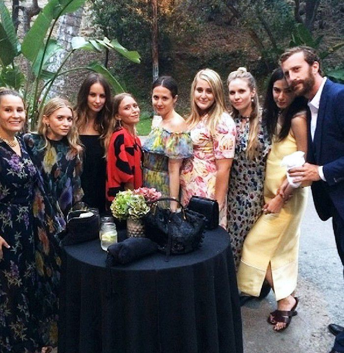 29 Brilliant Wedding Guest Outfit Ideas From The Olsen Twins Olsen Twins Wedding Guest Outfit Ashley Olsen