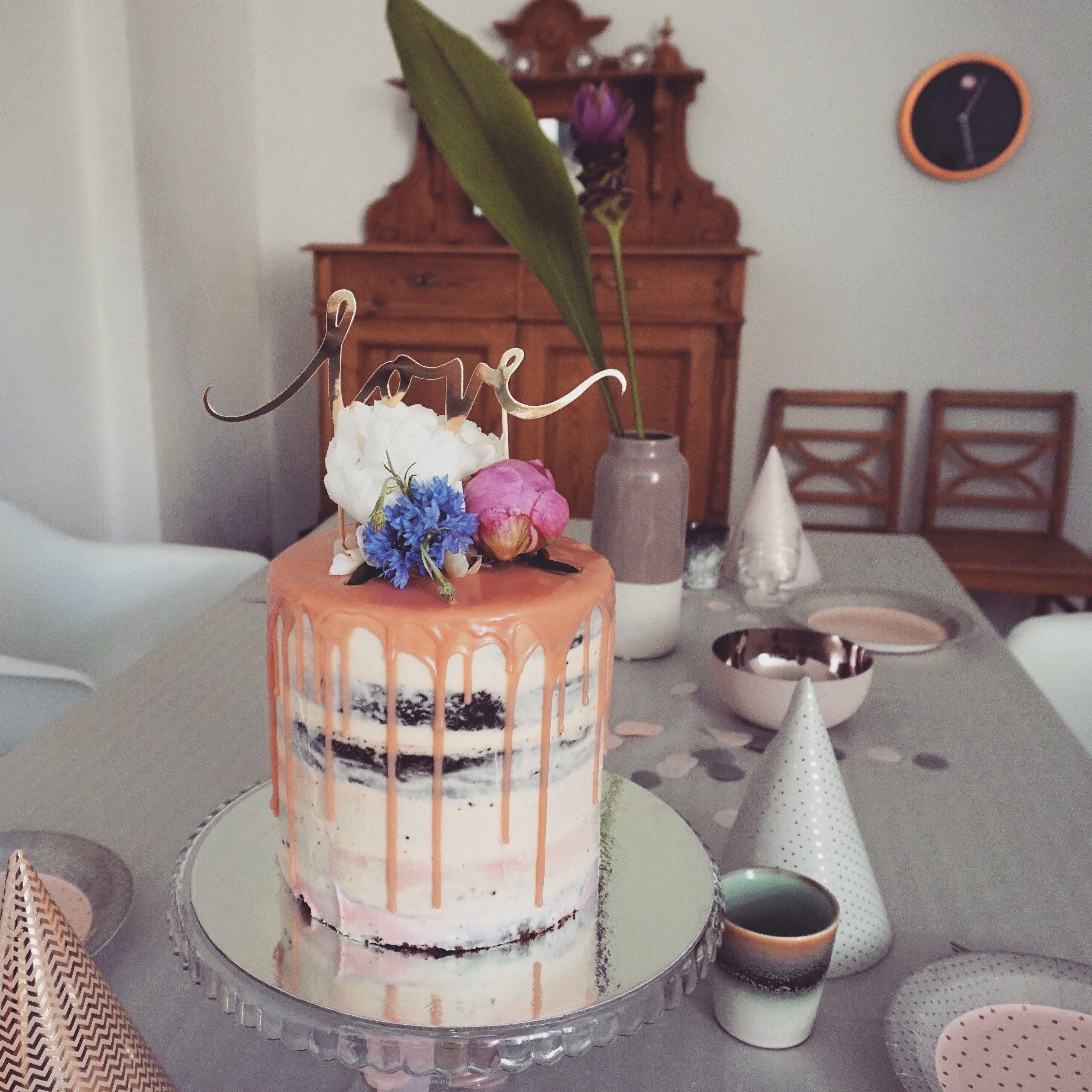 Pin Von Eisblume Auf Hochzeitstorten Ideen Motivtorten Geburstagstorte Torten