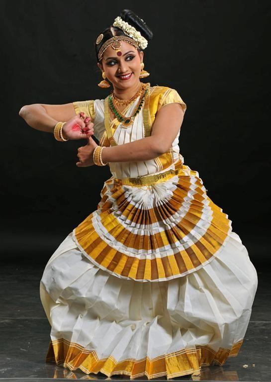 Performance by Deepa Kartha   Photo Gallery   Thiraseela ...