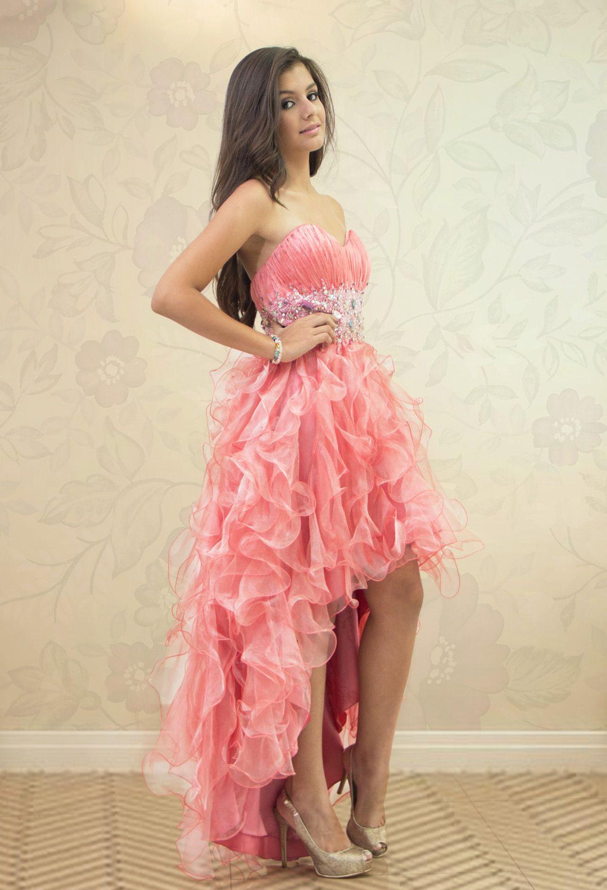 REF. 2-18 Hermoso vestido de quinces color salmón, cola de pato en ...