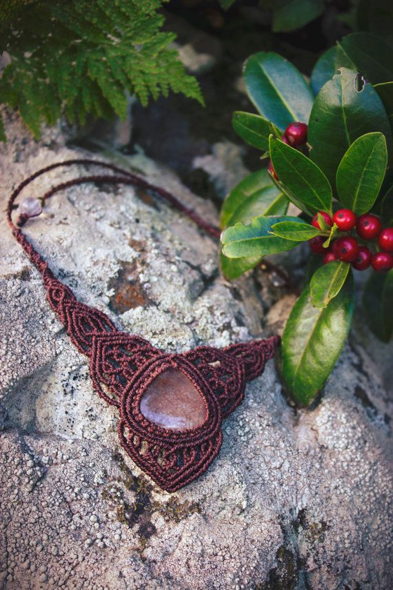 Powerful macrame necklace with natural rutile quartz by gimacrame