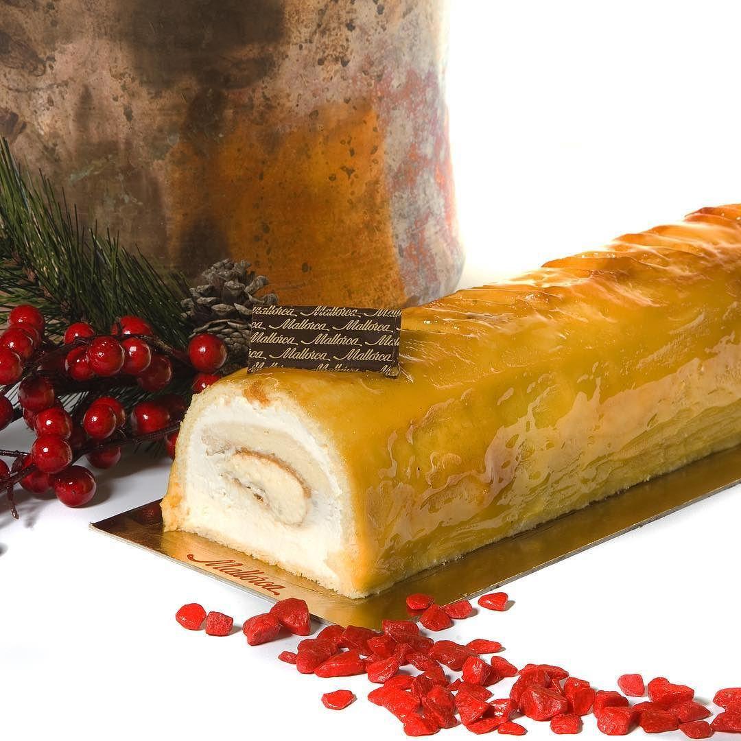 TRONCO SAN MARCOS  #Bizcocho de #almendra con #yema tostada y cremoso de #vainilla cubierto con yema tostada! #AMAZING!!! #Pasteleriamallorca #NavidadPasteleriaMallorca #Madrid #Navidad by pasteleriamallorca