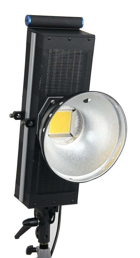 16 000 Lux At 1m 3 3 Feet Equivalent To An Incandescent 2000 Or Hid 400 See Photometrics Daylight Color Temperature Of 5300k Video Lighting Led Noise