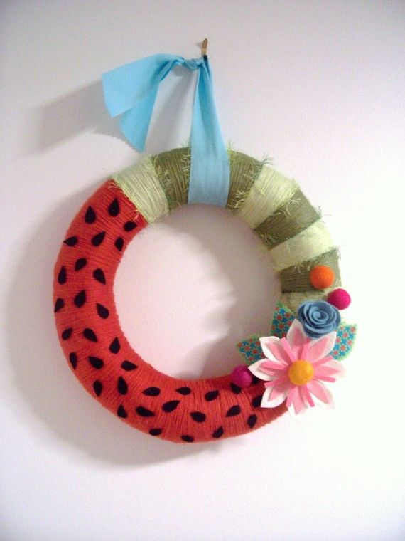 Love the watermelon wreath... the flowers, not so much, but love the watermelon
