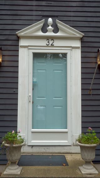 She knits by the seashore knitting general exterior - What color door goes with gray house ...