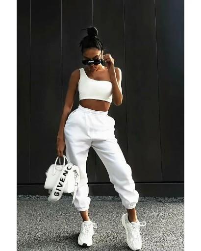 Photo of Стильный модный образ джинсы толстовки sweatshirt spotrstyle
