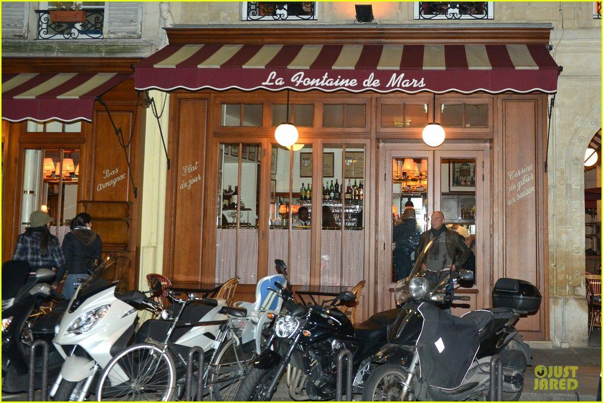 Jennifer Garner & Ben Affleck: La Fontaine de Mars Parisian Date ...