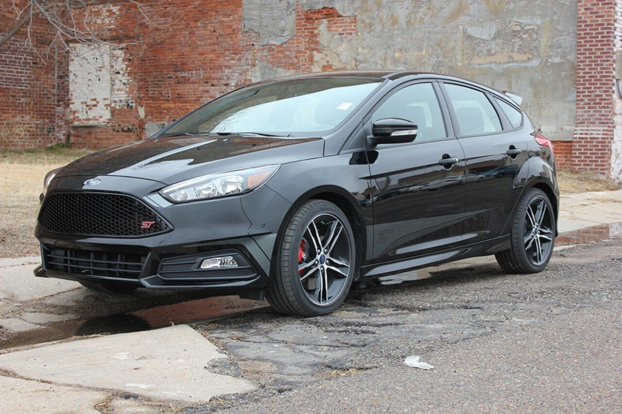 Ford Focus St Side Decals Blade 2 Color 2015 2016 2017 2018 Premium Auto Striping Ford Focus Ford Focus St Vinyl Graphics