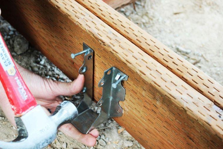 faire une terrasse en bois - tuto détaillé pour fabriquer l'ossature