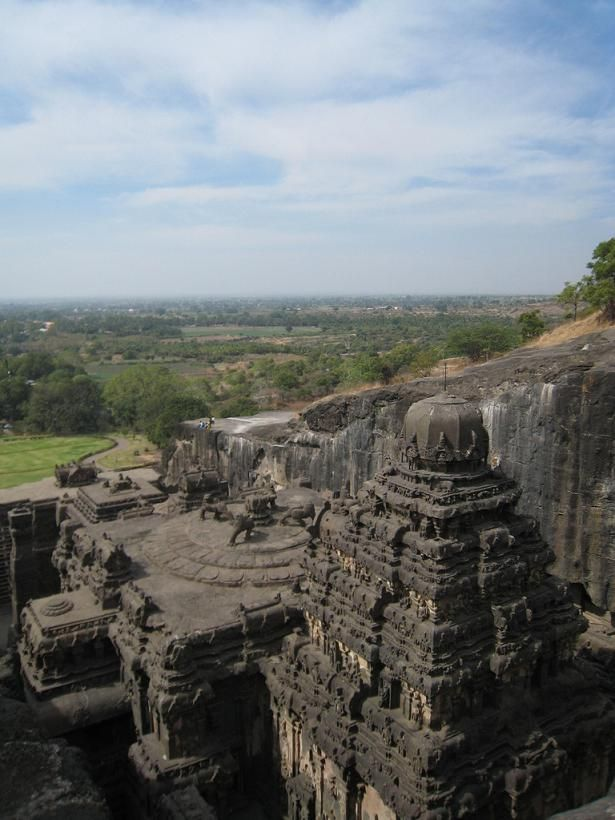 ellora-caves-india-mountain-temples-12