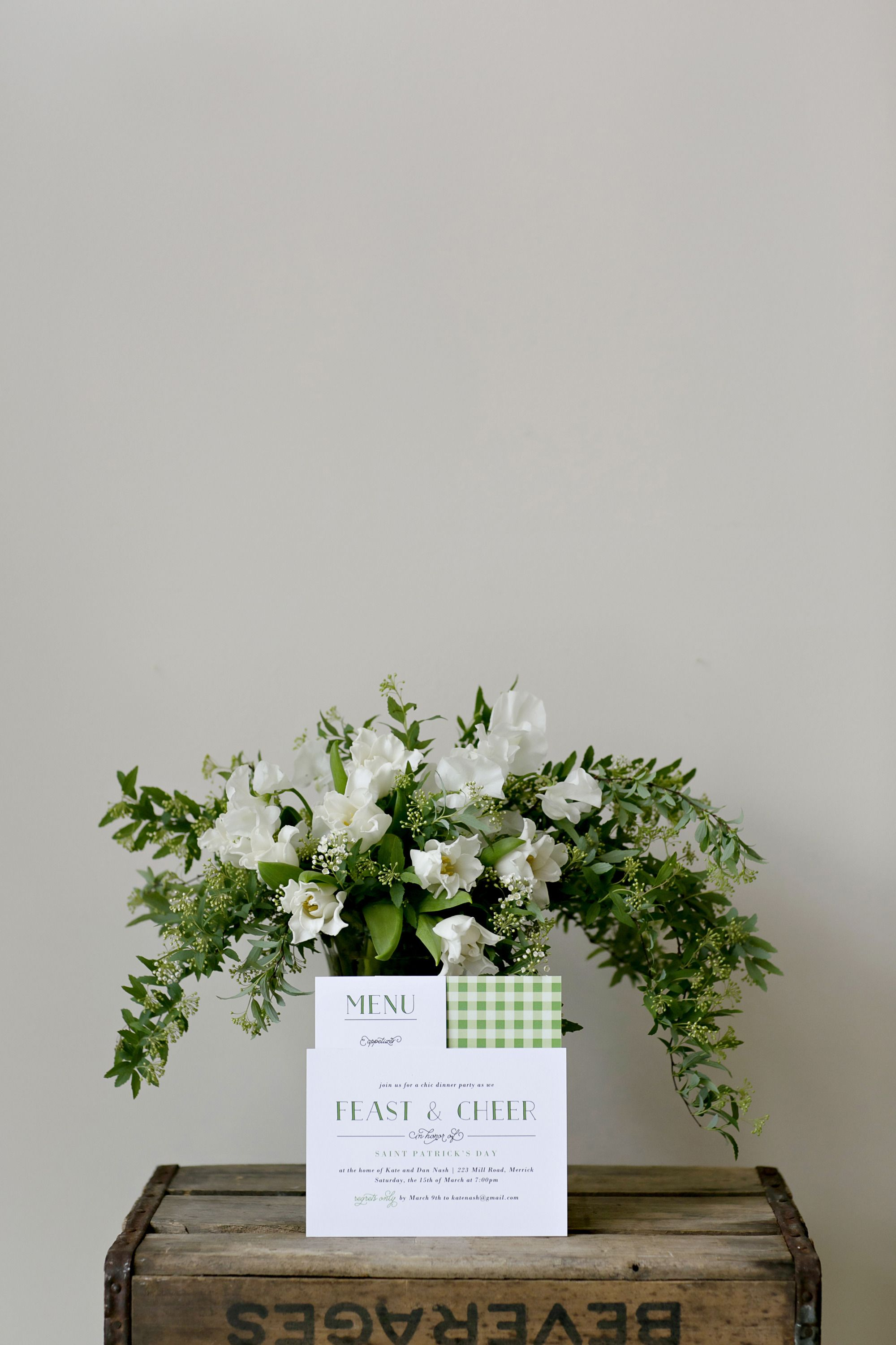 #hellebores, #centerpiece, #invitations, #floral-arrangement  Photography: Jen Lynne Photography - jenlynnephotography.net  Read More: http://www.stylemepretty.com/living/2014/03/17/irish-soda-bread/